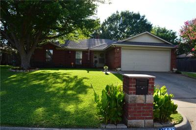 North Richland Hills Single Family Home For Sale: 5613 Bogota Drive