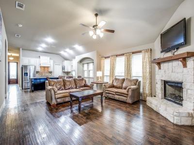 Aubrey Single Family Home For Sale: 729 Trenton Drive