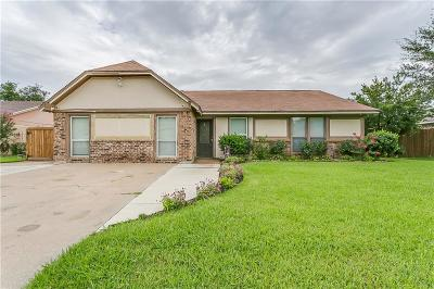 Burleson Single Family Home For Sale: 933 Springhill Drive