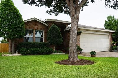 Fort Worth Single Family Home For Sale: 1608 Arbuckle Drive