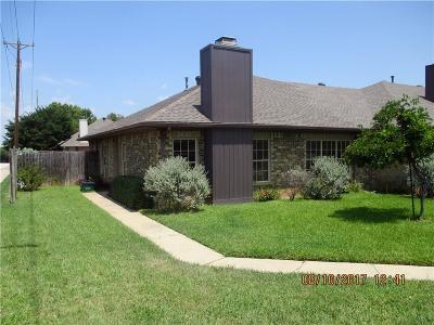 Grapevine Townhouse For Sale: 2027 Brookside Drive