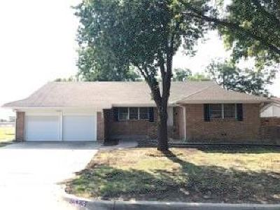 Fort Worth Single Family Home For Sale: 5205 Cockrell Avenue