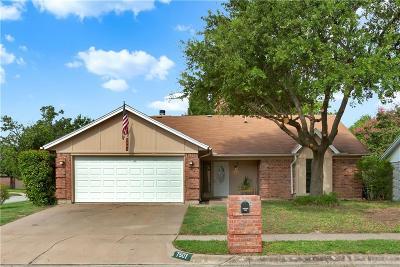 Watauga Single Family Home For Sale: 7501 Cedarhill Road