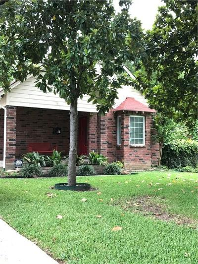 Dallas Single Family Home For Sale: 1421 Eastus Drive
