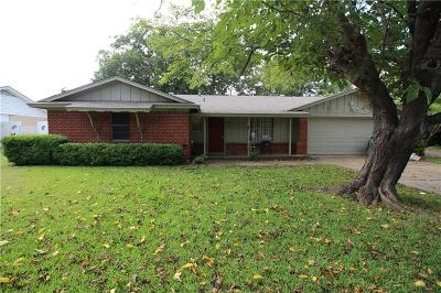 Cleburne Single Family Home Active Option Contract: 1317 Roberts Avenue