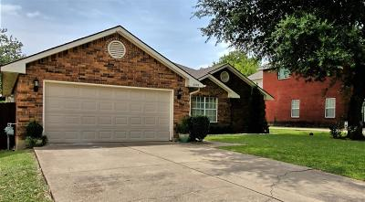 Grand Prairie Single Family Home For Sale: 3228 Crystal Brook Court