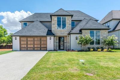 Grapevine Single Family Home For Sale: 914 Vintners Court