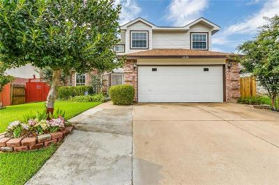 Fort Worth Single Family Home For Sale: 2729 Forest Creek Drive