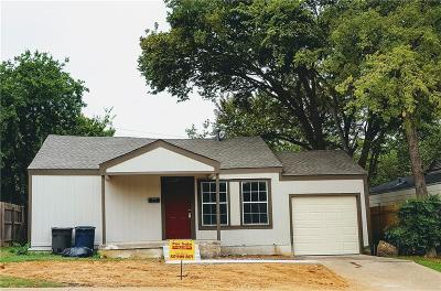 Fort Worth Single Family Home For Sale: 4374 McCart Avenue