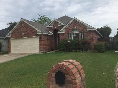 Fort Worth Single Family Home For Sale: 8213 Bedrock Drive