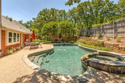 Grapevine Single Family Home For Sale: 3253 Oak Tree Lane