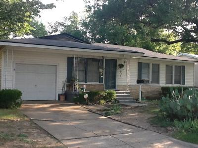Haltom City Single Family Home For Sale: 5025 Nadine Drive