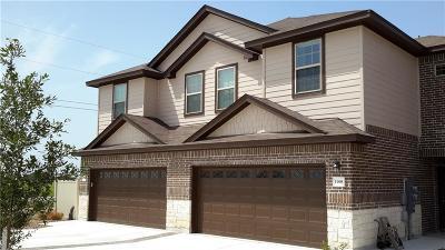 Midlothian Multi Family Home For Sale: 1034-6 W Sierra Vista Court
