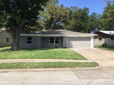Irving Single Family Home For Sale: 2825 Clearbrook Drive