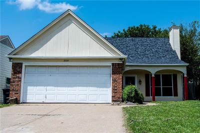 Fort Worth Single Family Home For Sale: 3737 S Waxwing Circle