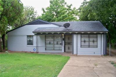 Dallas TX Single Family Home For Sale: $132,000