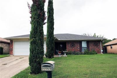 Fort Worth Single Family Home For Sale: 7271 Church Park Drive