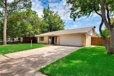 Irving Single Family Home For Sale: 1818 Hillcrest Drive