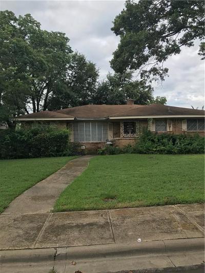 Dallas Single Family Home For Sale: 1218 Willow Glen Drive