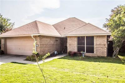 Denton Single Family Home For Sale: 613 Pace Drive