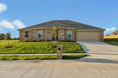 Waxahachie Single Family Home For Sale: 105 Whirlaway Street