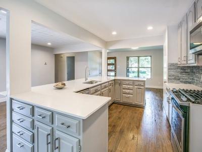 Dallas Single Family Home For Sale: 2905 Bridal Wreath Lane