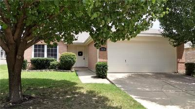 Fort Worth Single Family Home For Sale: 9208 Whistlewood Drive