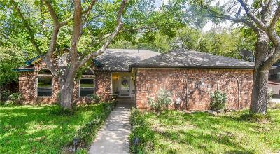 Hickory Creek Single Family Home For Sale: 1 Lakewood Drive