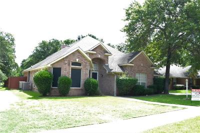 Azle Single Family Home For Sale: 1532 Flying Jib Drive