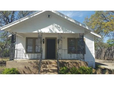 Denton Single Family Home For Sale: 319 Ruth Street