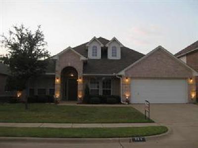 Grand Prairie Single Family Home For Sale: 966 Badbury Lane