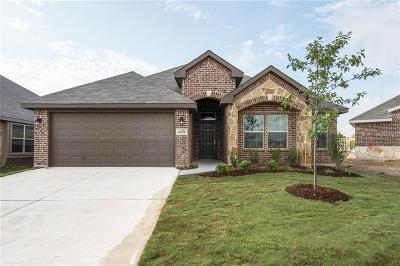 Fort Worth Single Family Home For Sale: 2125 Swenson Ranch Trail