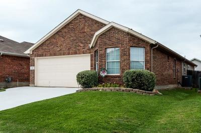 Fort Worth Single Family Home For Sale: 2125 Ingrid Lane