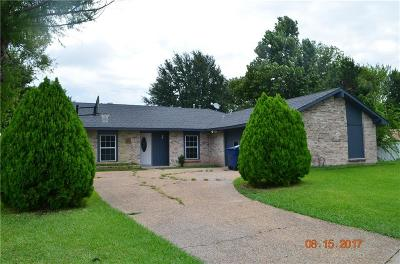 Garland Single Family Home For Sale: 909 Park East Circle