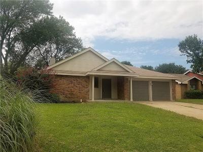 Arlington Single Family Home For Sale: 4904 Prairieview Court S