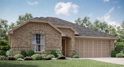 Waxahachie Single Family Home For Sale: 114 Rain Cloud Drive