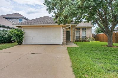 Fort Worth Single Family Home For Sale: 7229 Wagonwheel Road
