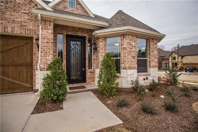 Tarrant County Single Family Home For Sale: 801 Bandelier Lane