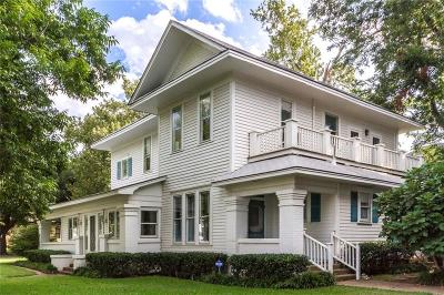 Johnson County Single Family Home For Sale: 302 Featherston Street