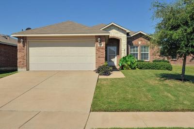 Fort Worth TX Single Family Home For Sale: $140,000
