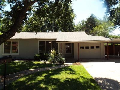 Cleburne Single Family Home For Sale: 205 Warren Street