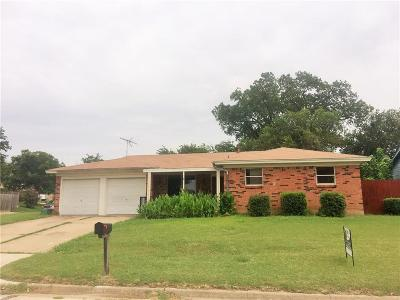 Haltom City Single Family Home For Sale: 5508 Denise Drive