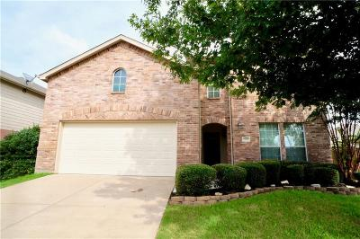 Aubrey Single Family Home For Sale: 1110 Blue Jay Drive