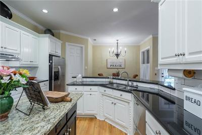 Mansfield Single Family Home Active Option Contract: 2107 Castle View Road