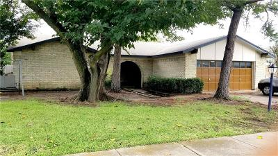 North Richland Hills Single Family Home For Sale: 7536 Circle Drive