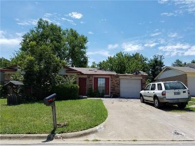 Arlington Single Family Home For Sale: 2310 Newbury Drive