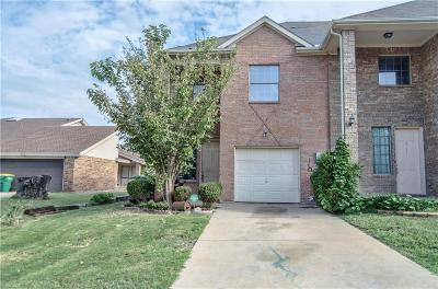 Rowlett Townhouse Active Option Contract: 6715 Ports O Call Drive
