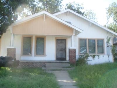 Dallas TX Single Family Home For Sale: $119,000