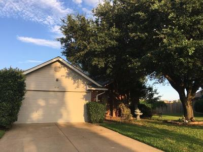 Haltom City Single Family Home For Sale: 5608 Maurie Drive