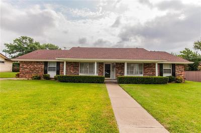 Farmers Branch Single Family Home For Sale: 14410 Tanglewood Drive